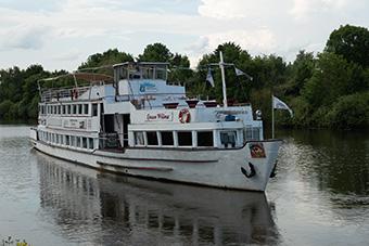 Unsere Schiff Queen Wilma auf der Saar